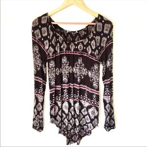 Maurices Scoop Knit Border Print Blouse size M